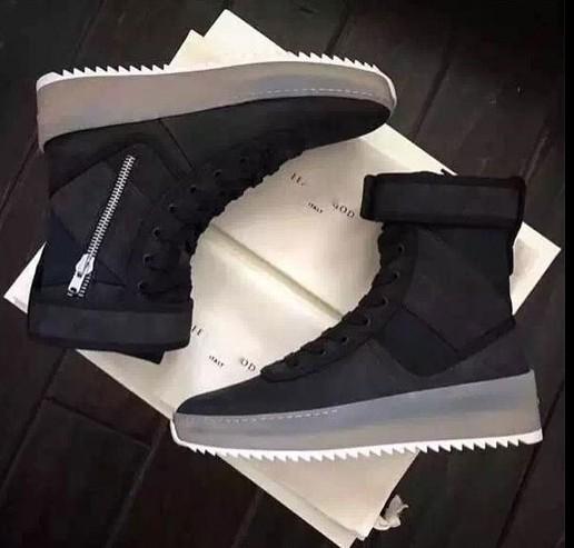 Black nylon with Gum Fog Boot