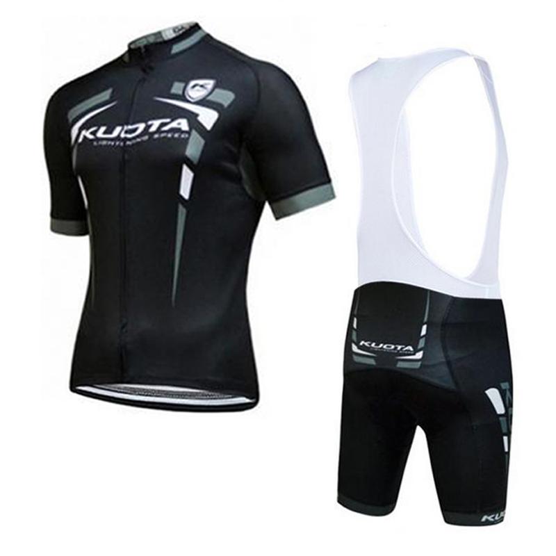 Jersey y pantalones cortos 08