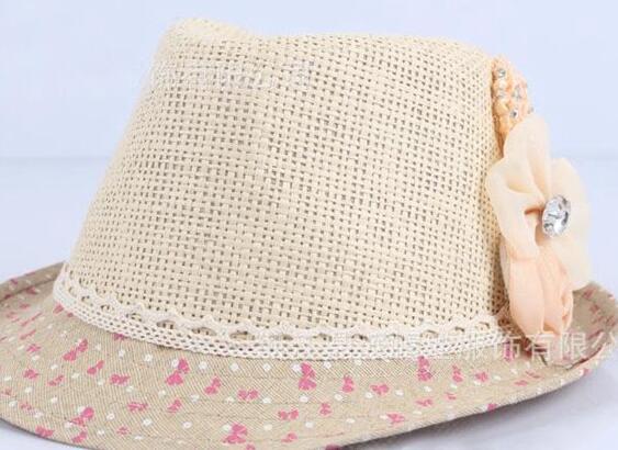 C Beige cappello + fiore beige
