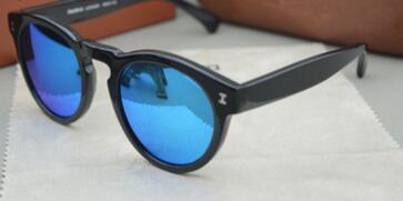 noir bleu lentille