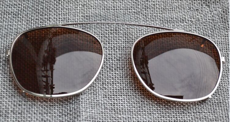 Tamanho da lente marrom moldura prateada S