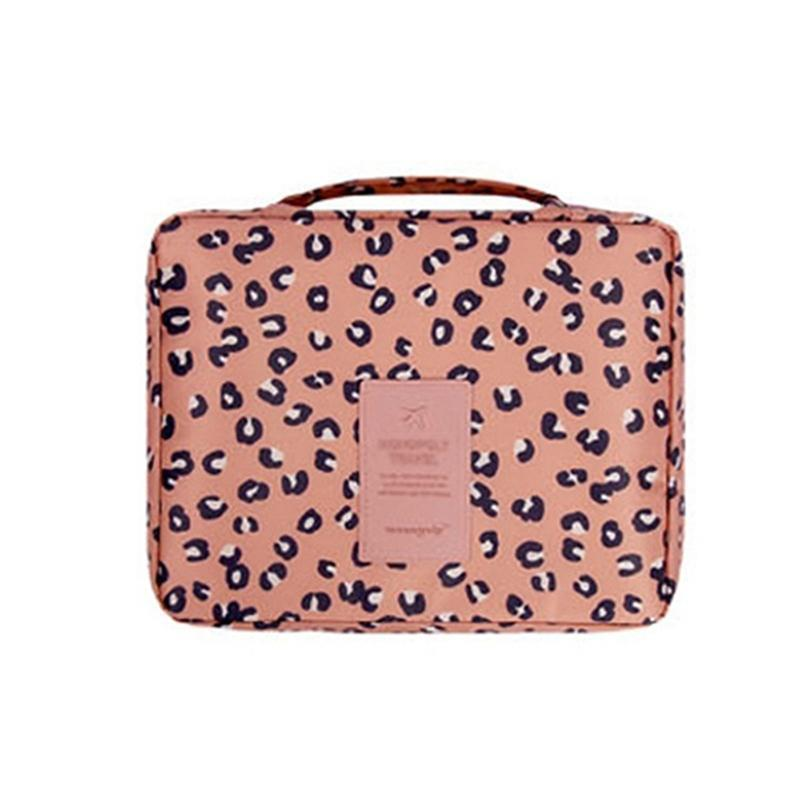 Розовый Leopard печати