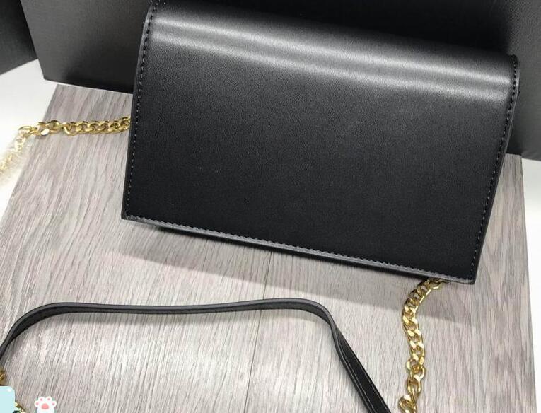 schwarz mit gold chain