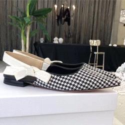 Black white + cloth [Flat]