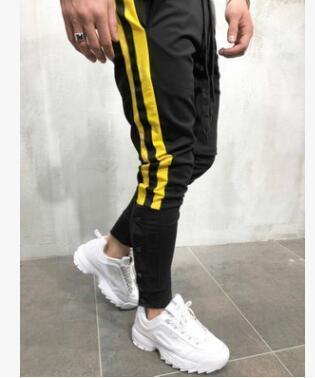 أصفر مسود
