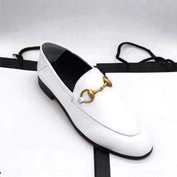 interior negro blanco puro +