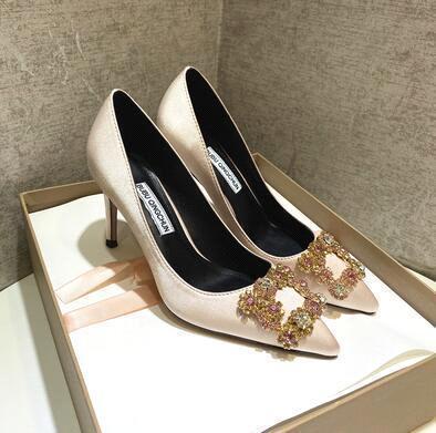Champagne (heel height: 8 cm)
