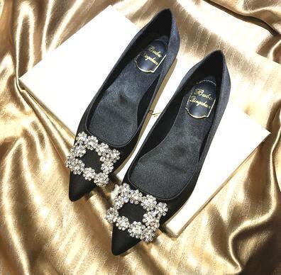 Black (flat heel)