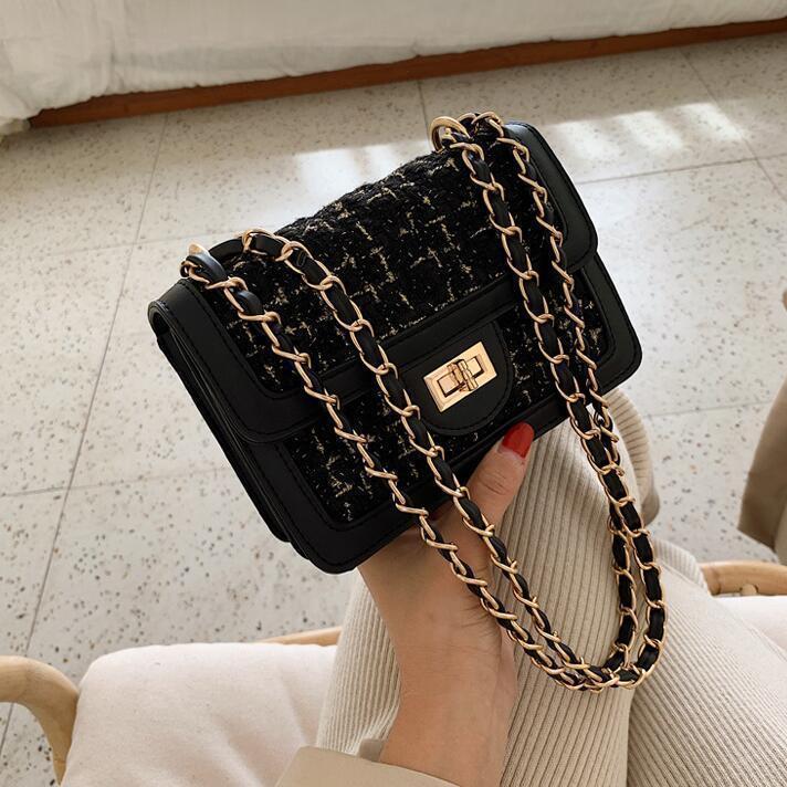 Noir (emballage de boutique)