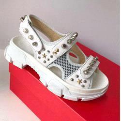 Blanc + rivet