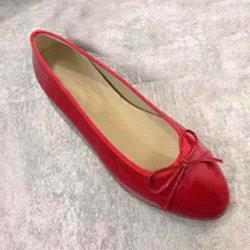 laca roja brillante +