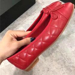 rojo + rómbico
