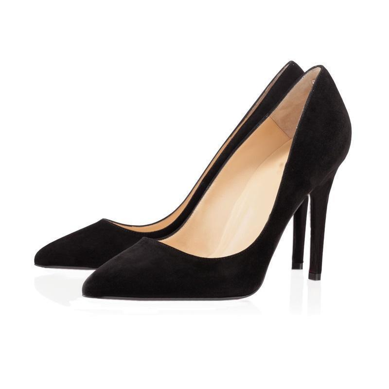 Scarpe a punta in camoscio nero
