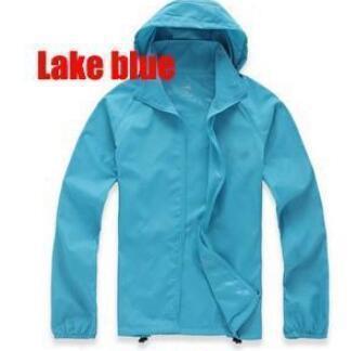 # 4 بحيرة زرقاء