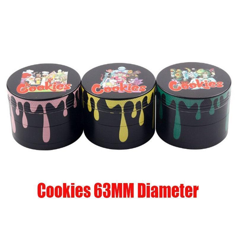 Biscoitos dos desenhos animados 63 milímetros cores se misturam