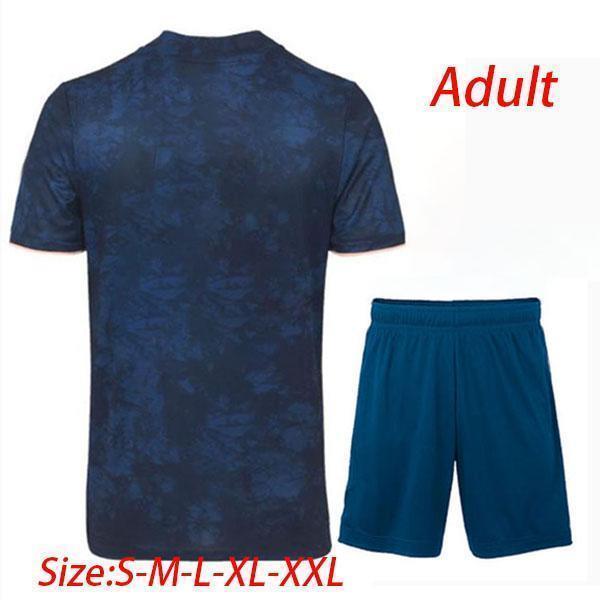 Terzo abito per adulti