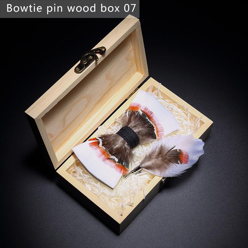 Bowtie legno pin box7