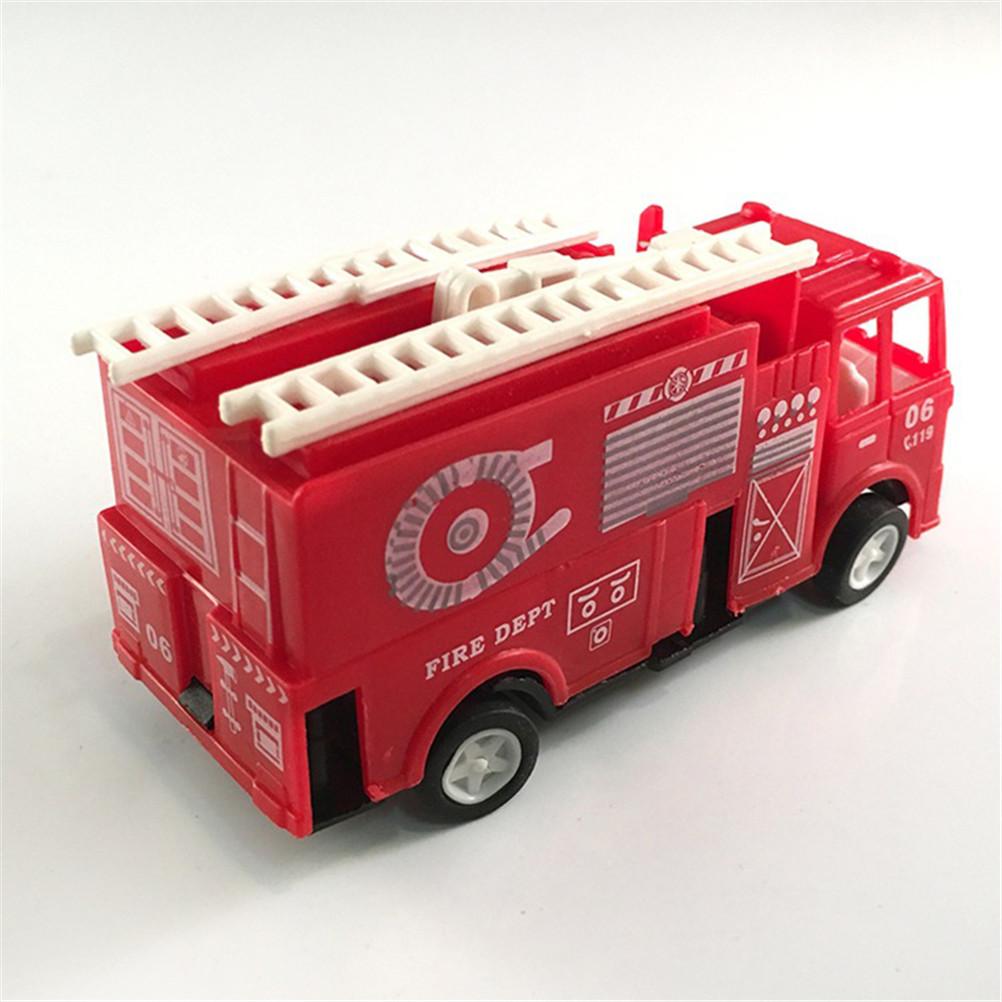 1pc Cor Red Mini Diecasts Elétrica / Electric RC controle remoto modelo de carro Viatura de incêndio Boy Toy Car Automóveis Máquinas Kids Brinquedos Tamanho: 14 * 4.2 * 6.