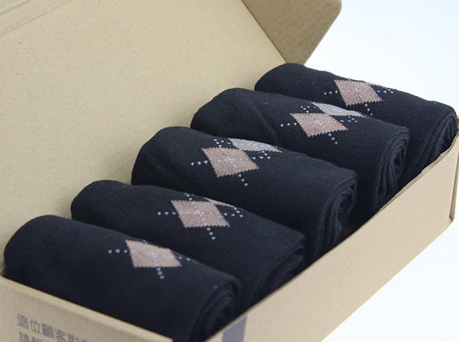 Biancheria intima Biancheria intima di qualità di marca di buona qualità vendita calda di nuovo modo di affari Mens degli uomini dei calzini di colore 5 Rhombus stampa Autunno Inverno Casual