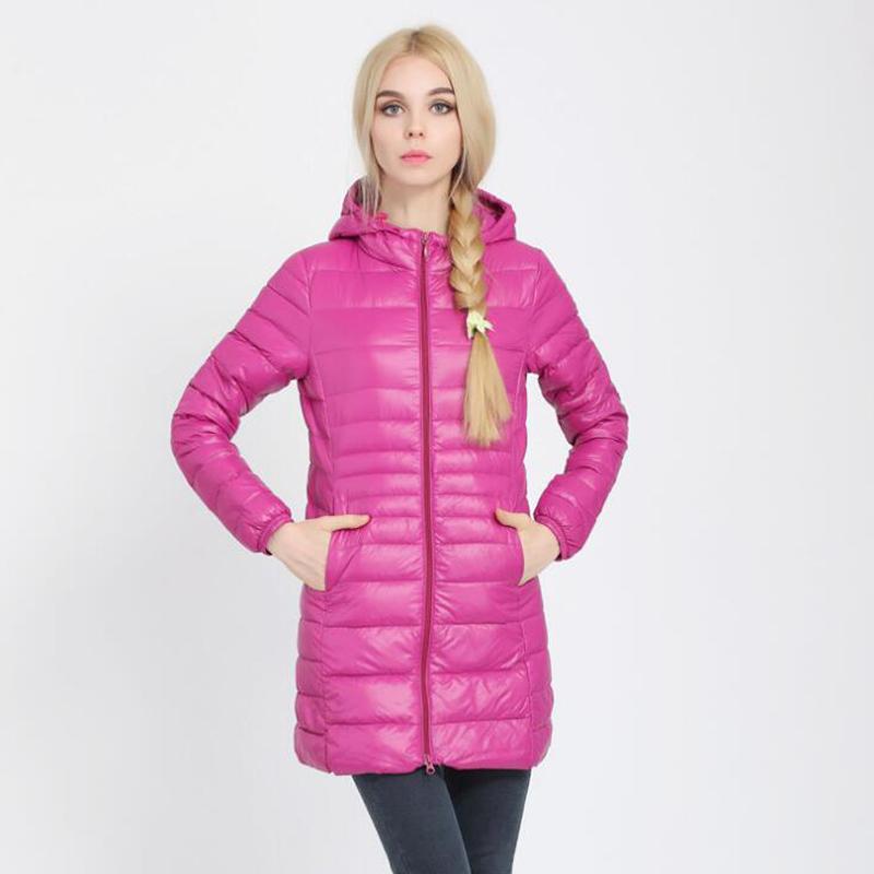 Abajo Parka 2019 de la nueva marca de la chaqueta de invierno pato blanco largo del Escudo de vestir exteriores de la chaqueta abajo Outwear ultraligero con capucha delgada capa del sombrero 6XL 7XL Mujeres