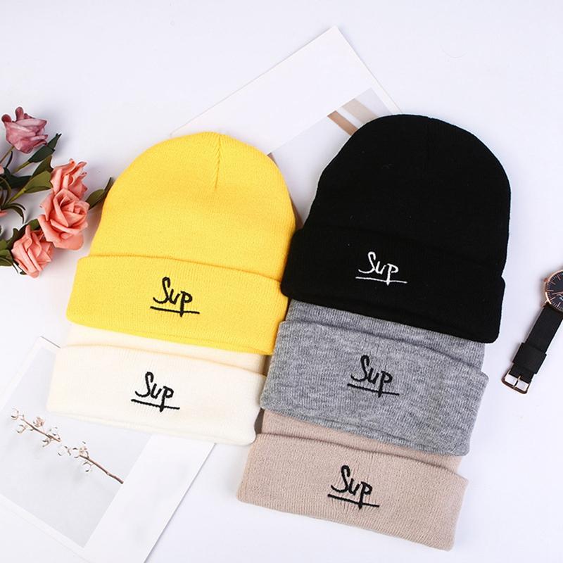 Toptan Hip Hop Cap Yeni Tasarım Sonbahar Ve Kış Yün Şapka Moda Letter Nakış Örgü Şapka Caps Şapka, Atkı Eldiven Şapka Tatlı Sevimli