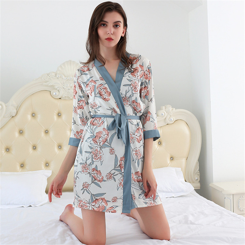 2020 Kadınlar Saten pijamalar Robe Seksi İpek Robe Elbise Kadın İç Çamaşırı İç Seti Uyku Ev Kapalı Giyim Bayan Gecelik Gecelik W