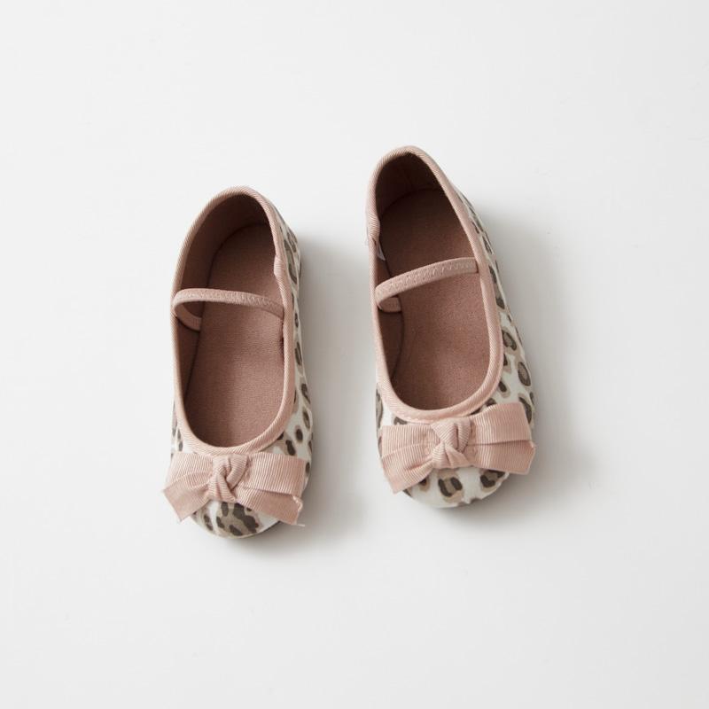 Y036 Outono de bebê para meninas de moda infantil Tamancos apliques Bow Sandálias Vaca Shoes Muscle plano com leopardo Crianças Shoes