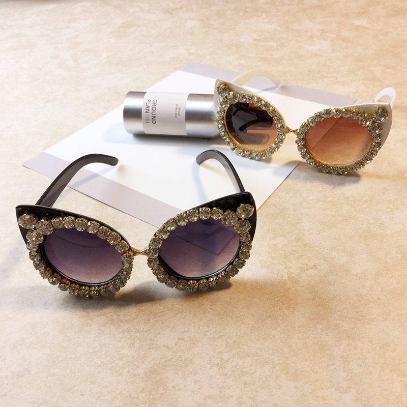 Women Luxury Sunglasses Brand Designer Luxury Rhinestone Sexy Cat Eyes Sunglasses Vintage Shades Eyewear