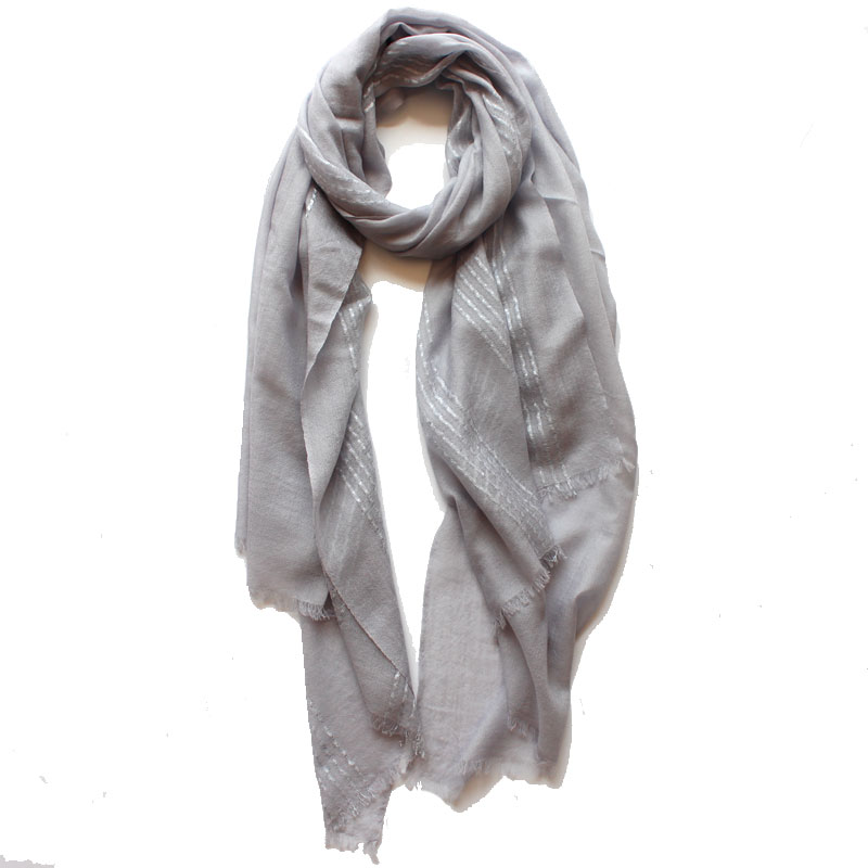 2018 the new high-end fashion plus knitted wool striped cashmere scarf candy color multifunctional sunscreen women`s shawl