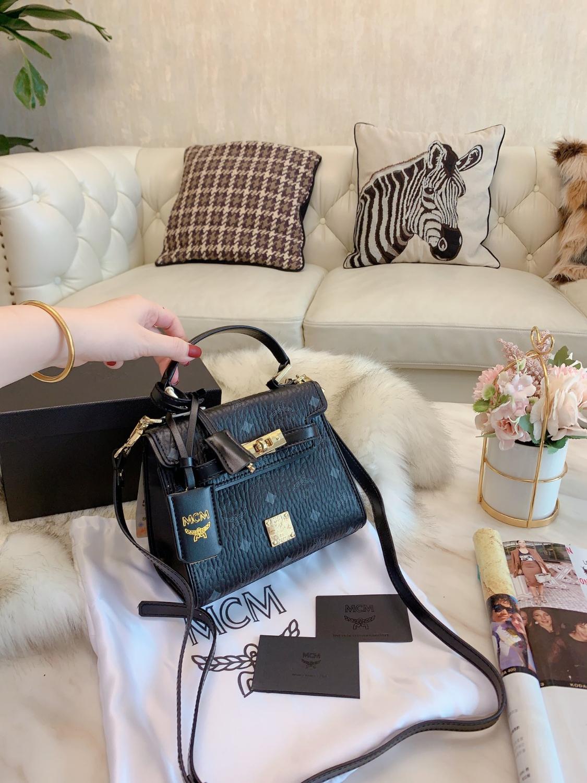 Мешок плеча высокого качества из натуральной кожи декабря 20SS Стильная женская сумочка Оригинальный дизайн женской моды сумка SDX77963