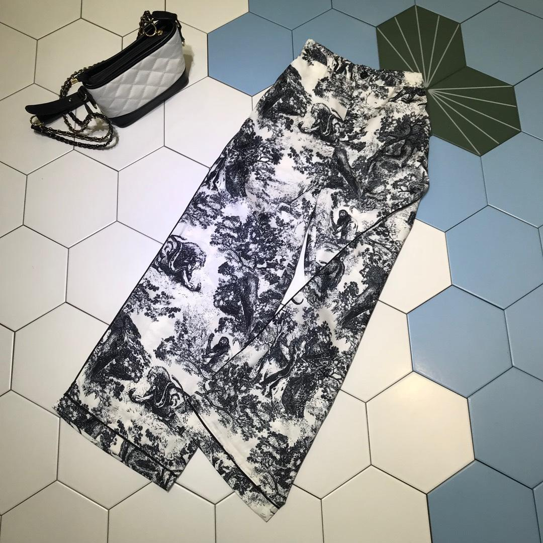 Modemarke Frauen Sommer Komfortable Gedruckt Dünne und leichte Spitze T-shirt Breite beinhosen Set frauen kleidung casual outfit FF-2