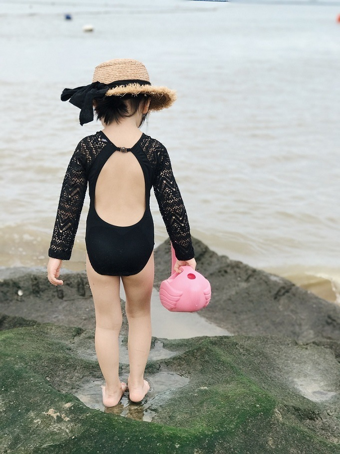 Sexy Backless Swimwear For Woman Girl Kids Parent-child Swimsuit Sunscreen Long-sleeved Swimming Bathing Suit Hot Spring Beach Swim Wear 6.5