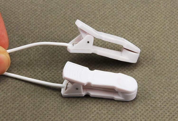 Stromschlag-Nippelklemmen / Klitoris / Labia-Clips Electro-Nippel-Clips mit 1,3 m Kabel Brust-Massagegerät Sex-Spielzeug für Frauen