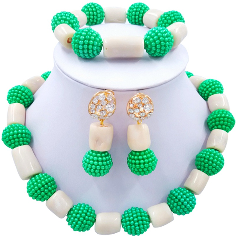 Jewelery Set Green and White