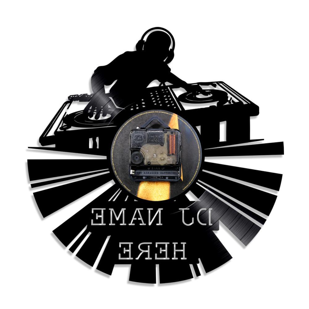 2019 Büyük Disko Özelleştirmek Adı DJ Yaratıcı Vinil Saat Led Işık kişiselleştirilmiş El Yapımı Sanat LED Duvar Saati Oturma Odası Dekor 1 Parça Fiyat