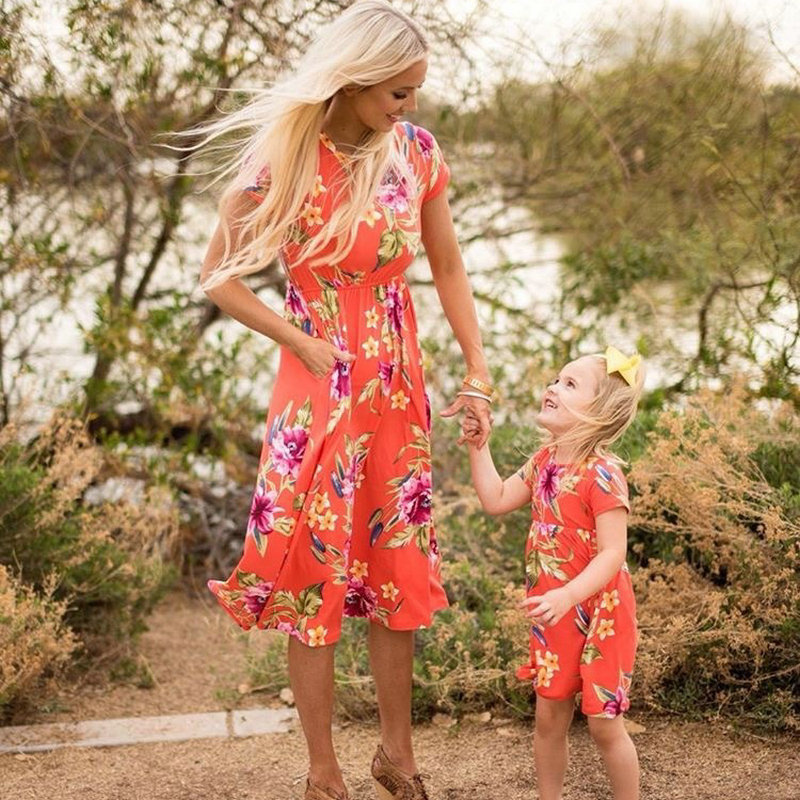 Mother Daughter Bohemian Maxi Dress Family Look Matching Outfits 2018 Short Sleeve Mommy and Me Floral Swimwear Dresses Clothes (4)