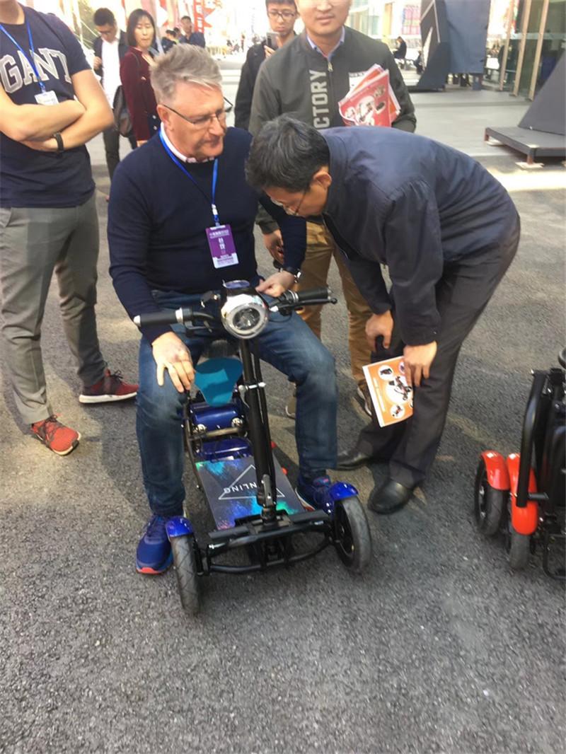 Daibot Four Wheel Electric Skateboard Portable Electric Scooters 10 Inch 36V Foldable Electric Scooter For DisabledElderly (60)