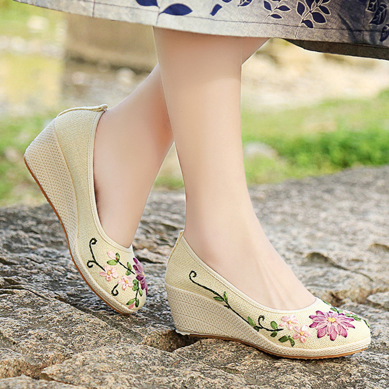 Spring Autumn Woman Wedges Pumps Canvas Flower Embroider High Heels Retro Cow Muscle Women Shoe Ladies Zapatos mujer 62H86
