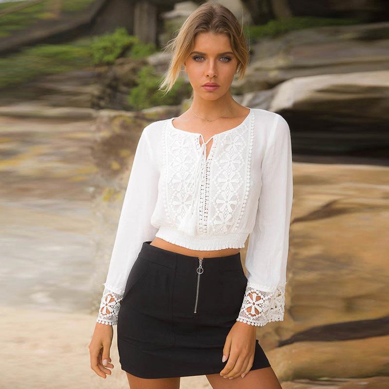 Automne Femmes Et Blouses Tunique Blanc De Dentelle Floral V Cou Flare Crop Tops 2018 Plage À Manches Longues Chemise Femmes Vêtements Q190520