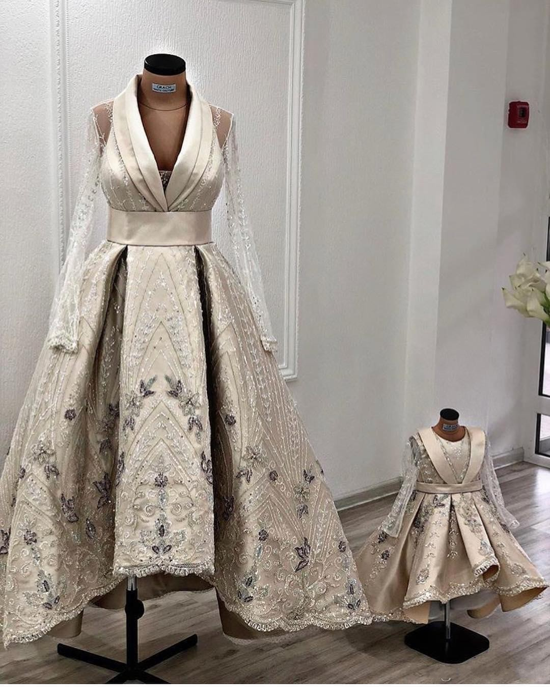 15 African Luxuriöse Spitze-Stickerei-Mutter-Tochter-Brautkleider mit  langen Ärmeln A-Linie Brautkleider sexy Vintage Brautkleider