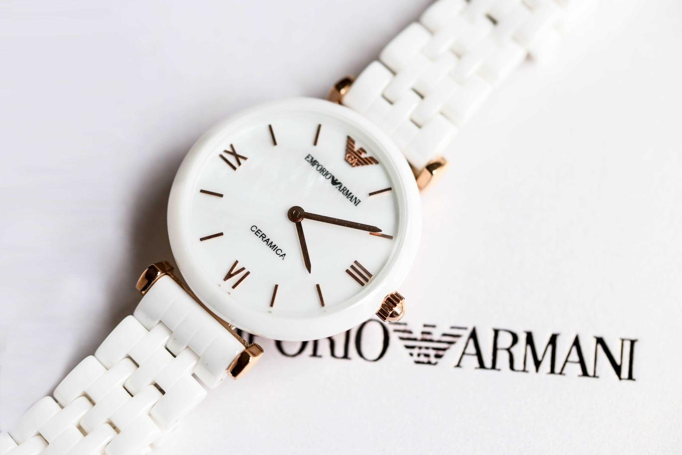 High-end luxury Emporio Armani1 white ceramic women's watch Fashion gorgeous quartz dial diameter 32mm dial Eagle logo classic design