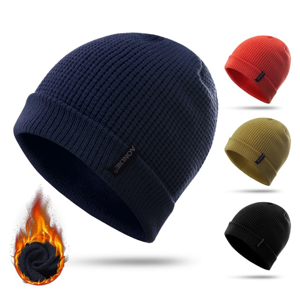 Bonnet avec bouclier /_ laine /_ woolen a Knitted with visor /_ rasta