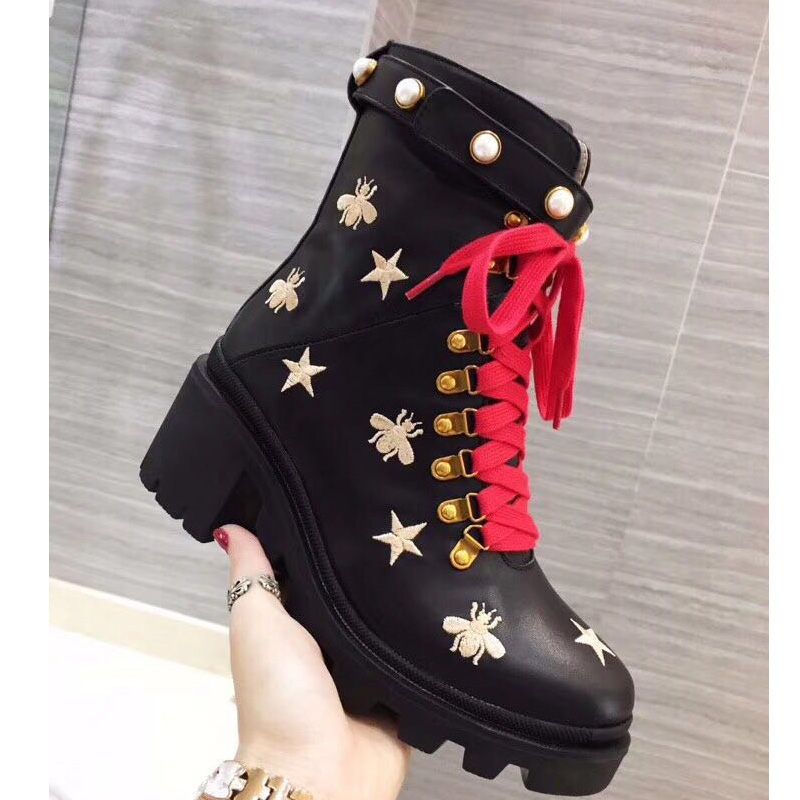 Women Genuine Leather Flat Trip Hiking Boots Embroidered Lace-up Ankle Boots Stars Bee Lace-up Motorcycle Boots Rabbit Hair Pearl Shoes