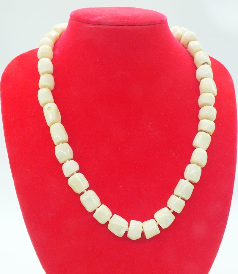2019-13-1455# Natural white coral necklace 20