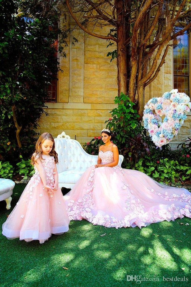 2018 Amazing Arabic Tulle and Organza Pink Prom Dresses Luxury Handmade Flowers Long Mother and Daughter Gowns Vestidos