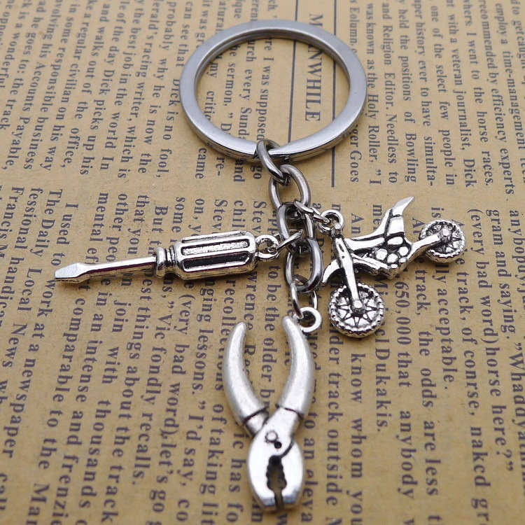 Eeleva Silver Metal Tools Pendant Keychain Key Tag W//Love You Daddy