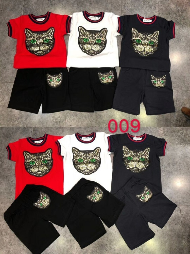 2019 new children's short-sleeved suit, the child's upper body is handsome and cute, cotton fabric, comfortable, chest patch, kitten