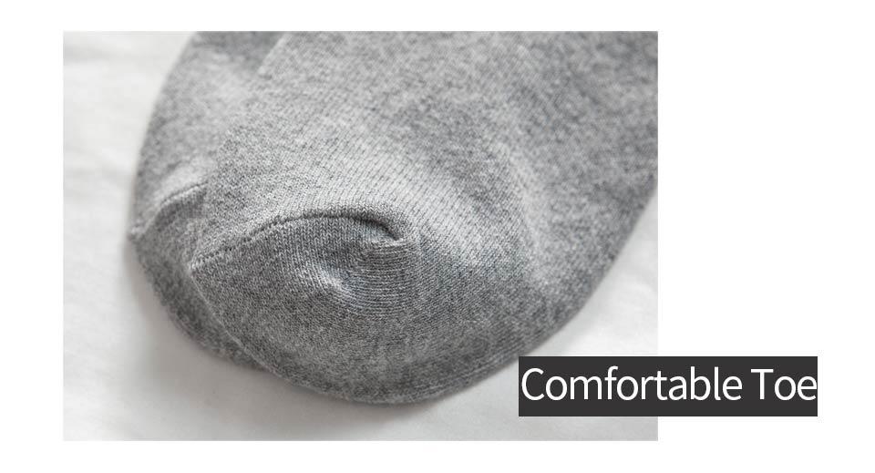 13 New Year\`s socks for men