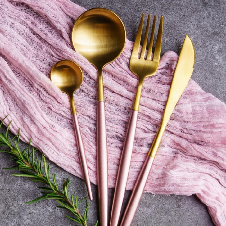 Pink gold dinnerware set (6)