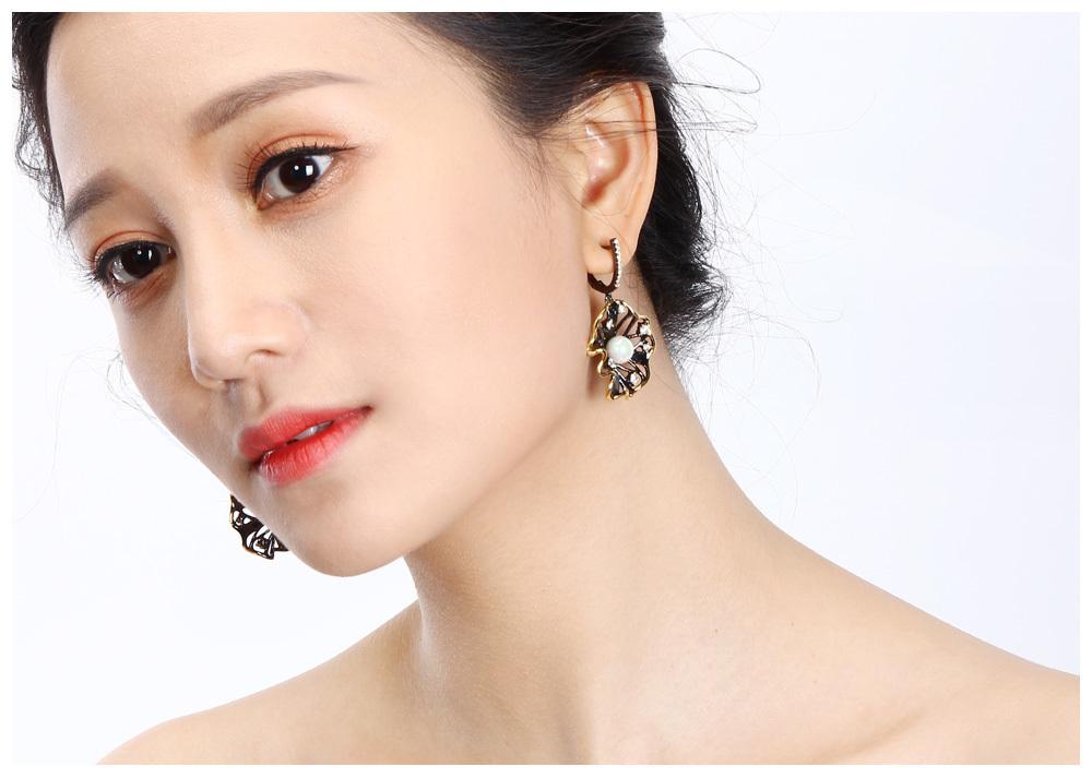 pearl earrings 03